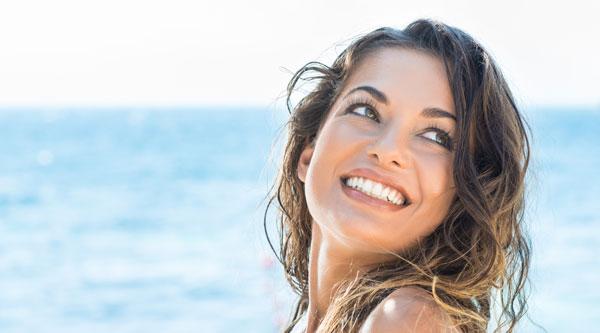 Efecto del cloro de las piscinas en los dientes