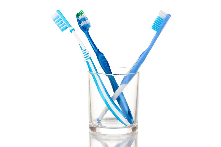 El cepillo de dientes y los brackets