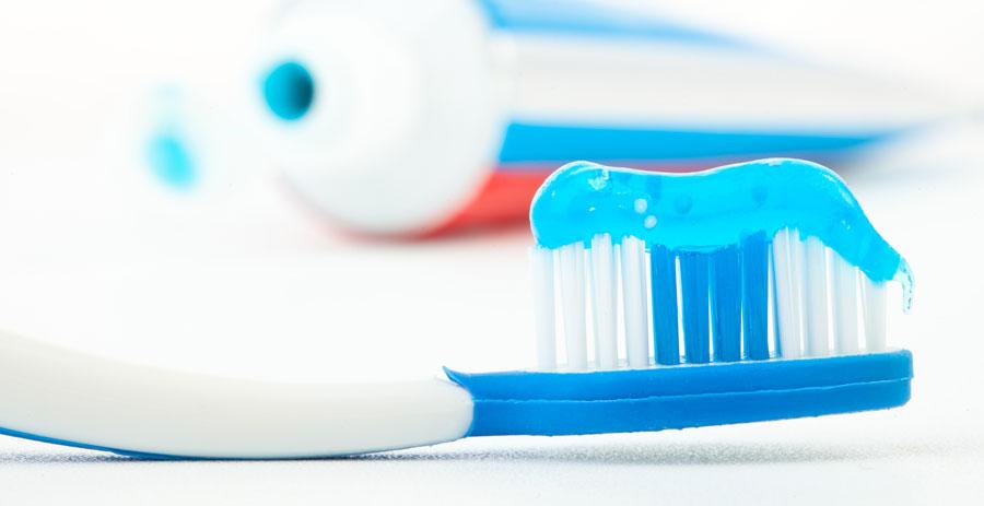 La elección de la pasta dental para brackets